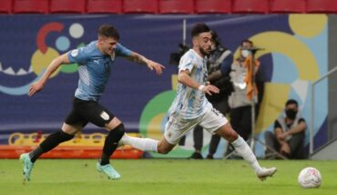 1624453187753 2021 06 19T003528Z 1975759556 UP1EH6J01N263 RTRMADP 3 SOCCER COPA ARG URY REPORT Cropped